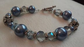 Glitz & Glam Blue Beaded Bracelet